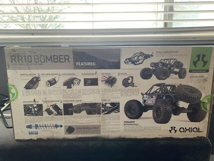 axial-racing-rr10-bomber